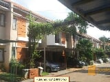 Foto Townhouse Mewah Semi Furnished di Ciracas...