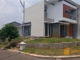 Foto Rumah Hook Citraland BSB city