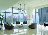 Photo Immaculate luxurious waterfront home/Half Floor