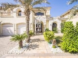 Photo Luxury villa in the heart of Sharjah!