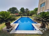 Photo Large landscaped Garden - Exquisite Pool