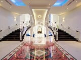 Photo Bright and Lovely Mansion in Emirates Hills