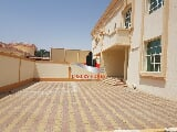 Photo 4 Bedrooms outstanding villa in Al Baten