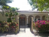 Photo Lovely Bungalow Villa 4 BR + M in Green...