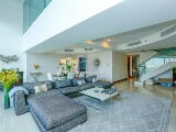 Photo 2 Bed Apartment To Rent in Jumeirah Living...
