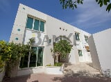 Photo Outstanding Space - 4 Bed Villa Close to the Beach