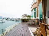 Photo Water Front Apartment In Chic Deco