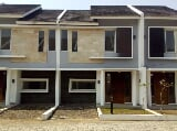 Foto Town house ready stock