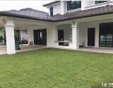 Photo Double storey bungalow in a gated and guarded...