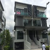 Photo 3 and half storey semi d wt lift vila puncak desa