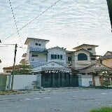 Photo Modern design 2.5 storey house near taman soon...
