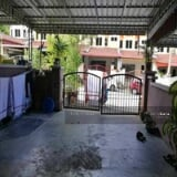 Photo Single sty terrace house at Puncak Jelapang...