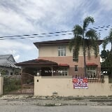 Photo Bungalow house at taman golf, ipoh, perak....