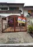Photo Double Storey Terrace [Taman Sri Gombak ]...