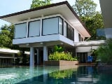 Photo Modern-style Villa with infinity pool within...