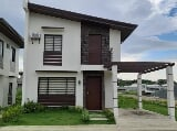 Photo 3BR single attached type house in Carmona Cavite