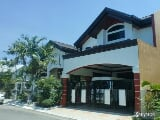 Photo Furnished corner house in bf homes executive pque