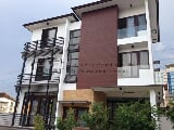 Photo Brand-new modern 4-storey house For Rent/Lease...