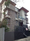 Photo Roomy three-storey house For Sale in Mckinley...