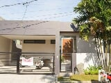 Photo Modern bungalow house and lot in bf homes...