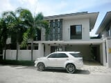 Photo House for rent in Cebu City, Gated overlooking...