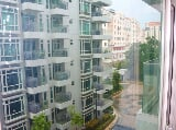 Photo Furnished 1BR with Balcony Condo in The...