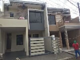 Photo House and lot for sale in las piñas