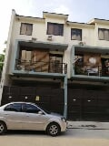 Photo Makati Townhouse for rent 3br staff house ok