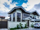 Photo Grand Contemporary House in BF Homes Paranaque