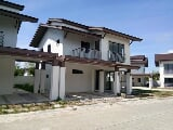 Photo 4BR house for RENT/SALE MACTAN Lapu- near...