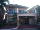 Photo 4 bedroom villa for rent in Angeles, Alabat