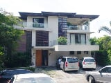 Photo Modern 3 Storey house in White Plains
